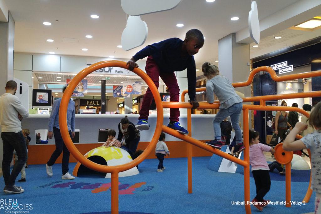 Velizy2-KidsAirport-espaceenfants avec signature