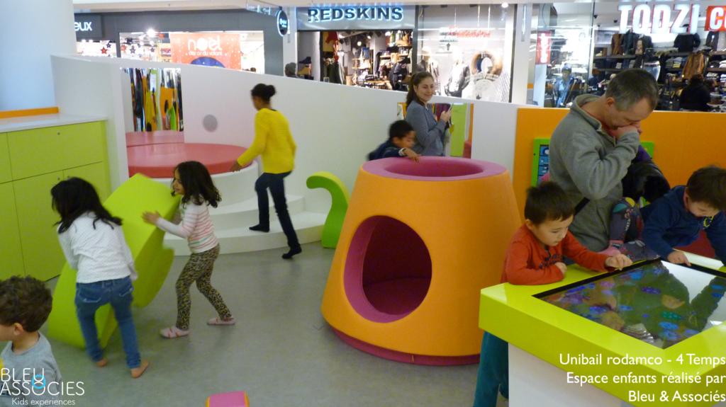4-Temps-espace-enfants-bleu-et-associes-kids-experiences