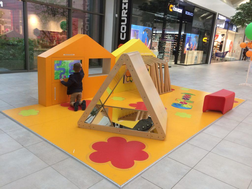 Carrefour-Property-espace-enfants-bleu-et-associes-kids-experiences