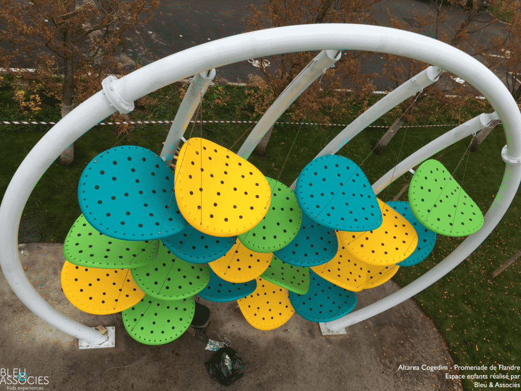 Promenade-de-Flandre-Luckey-Climber-Exterieur-espace-enfants-bleu-et-associes-kids-experiences