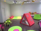 Domerat-espace-enfants-bleu-et-associes-espaces-enfants-kids-experiences