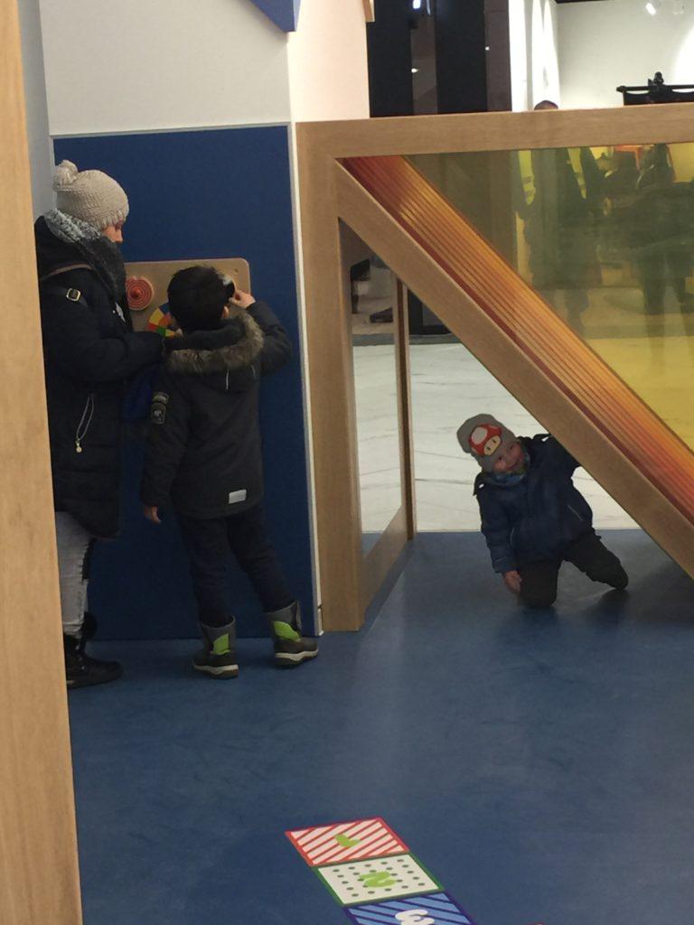 Gropius-Passagen-espace-enfants-bleu-et-associes-espaces-enfants-kids-experiences