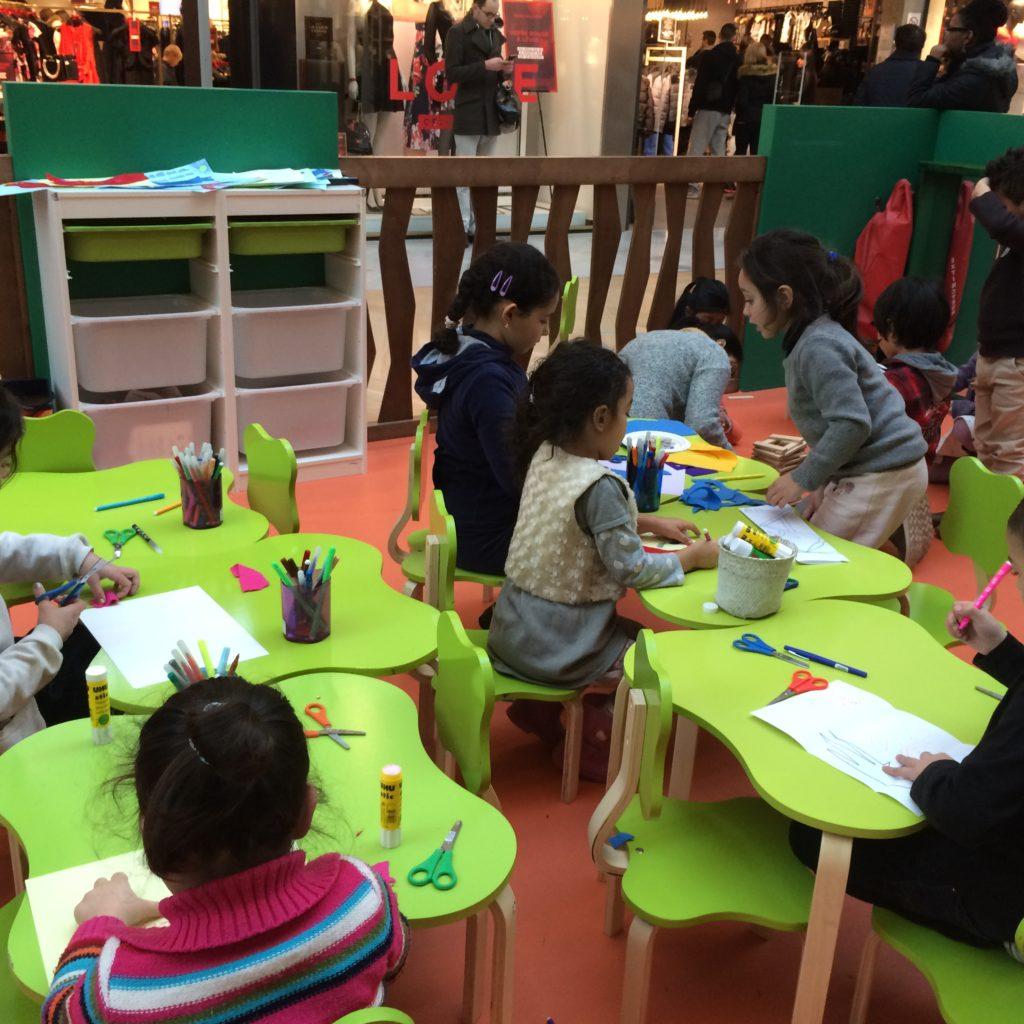 aéroville-garderie-bleu-et-associes-Kids-Experiences-espaces-enfants